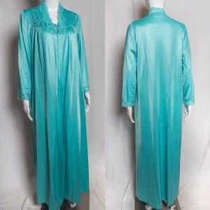60s-70s Vintage Nightgown and Robe Set by Gossard